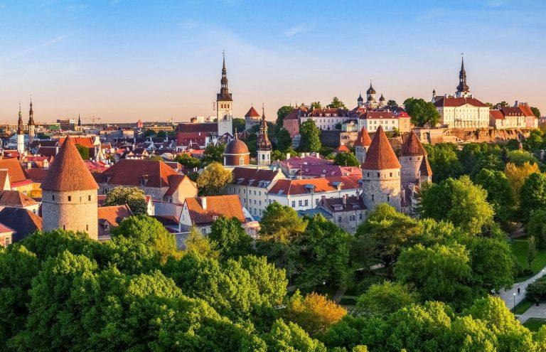 Capitales del Báltico en Barco