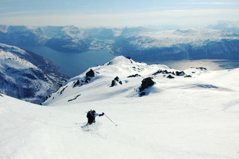 Lyngenfjord - Paraíso invernal con alces y auroras